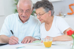 pros and cons of medicare advantage and medigap plans